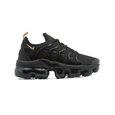 Женские кроссовки Nike Air Vapormax Plus Black-Gold за 5990 рублей!