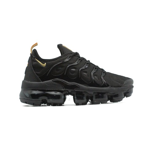 Женские кроссовки Nike Air Vapormax Plus Black-Gold