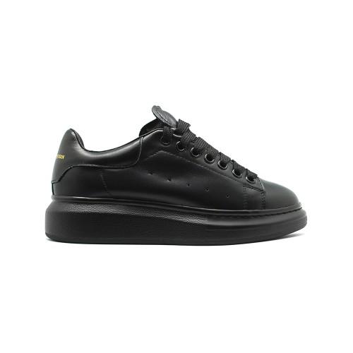 Женские Зимние кроссовки Alexander McQueen Luxe Total Black
