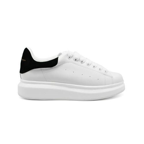 Женские кроссовки Alexander McQueen Luxe Monochrome S